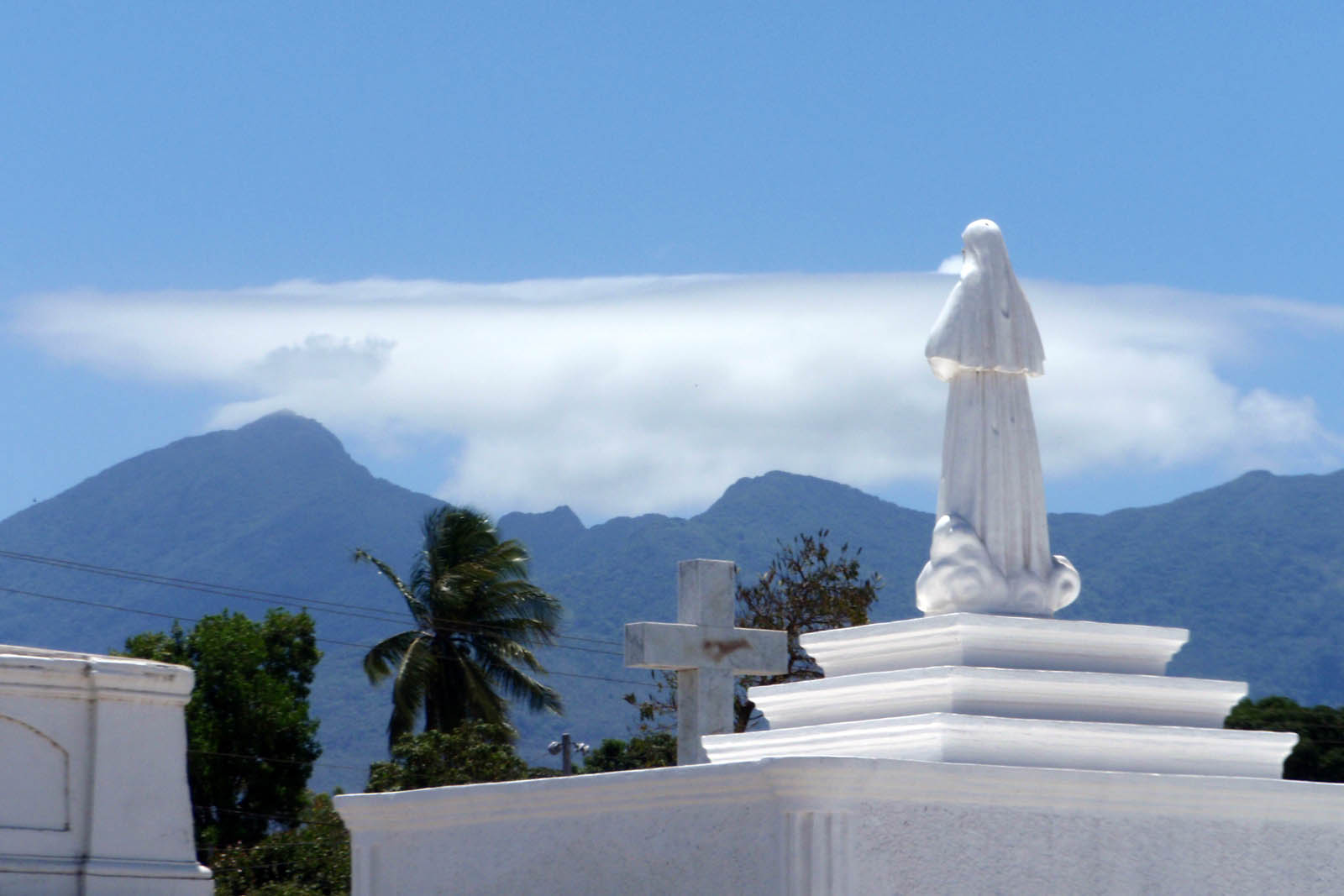 tomb statue facing the mountains of Nicaragua