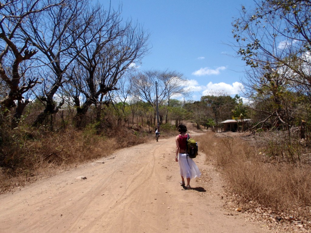 the road to laguna de apoyo