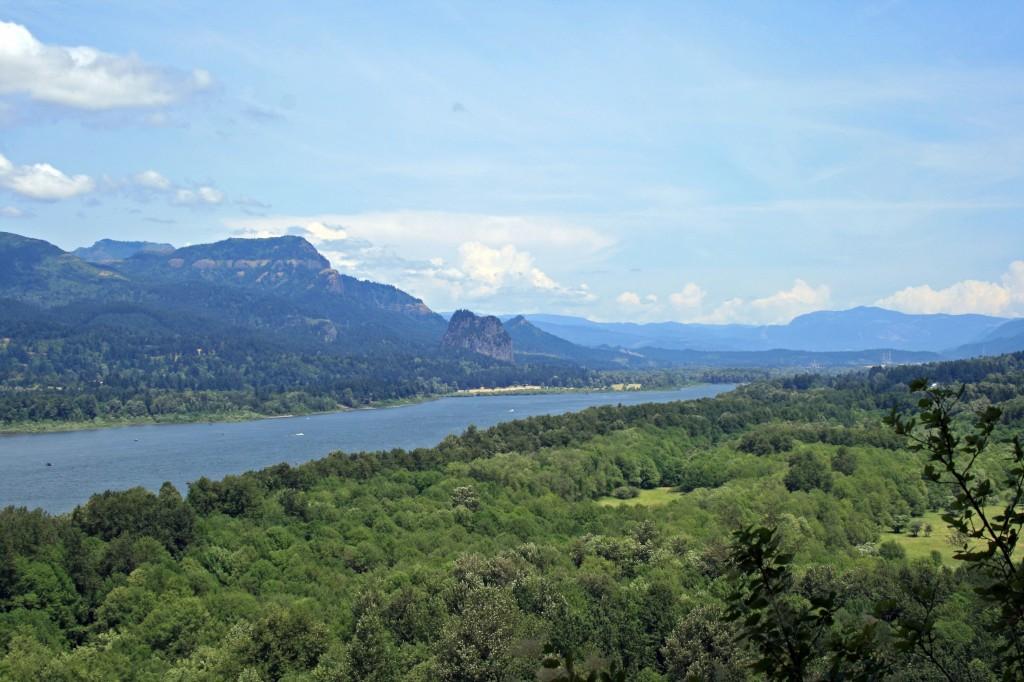 Triple falls columbia gorge view