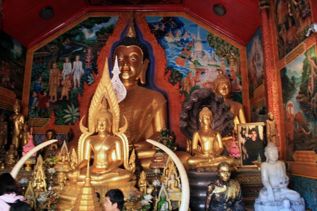 doi-suthep_buddha