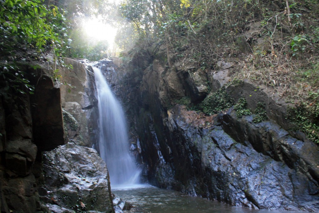 Chiang Rai Day trek waterfall