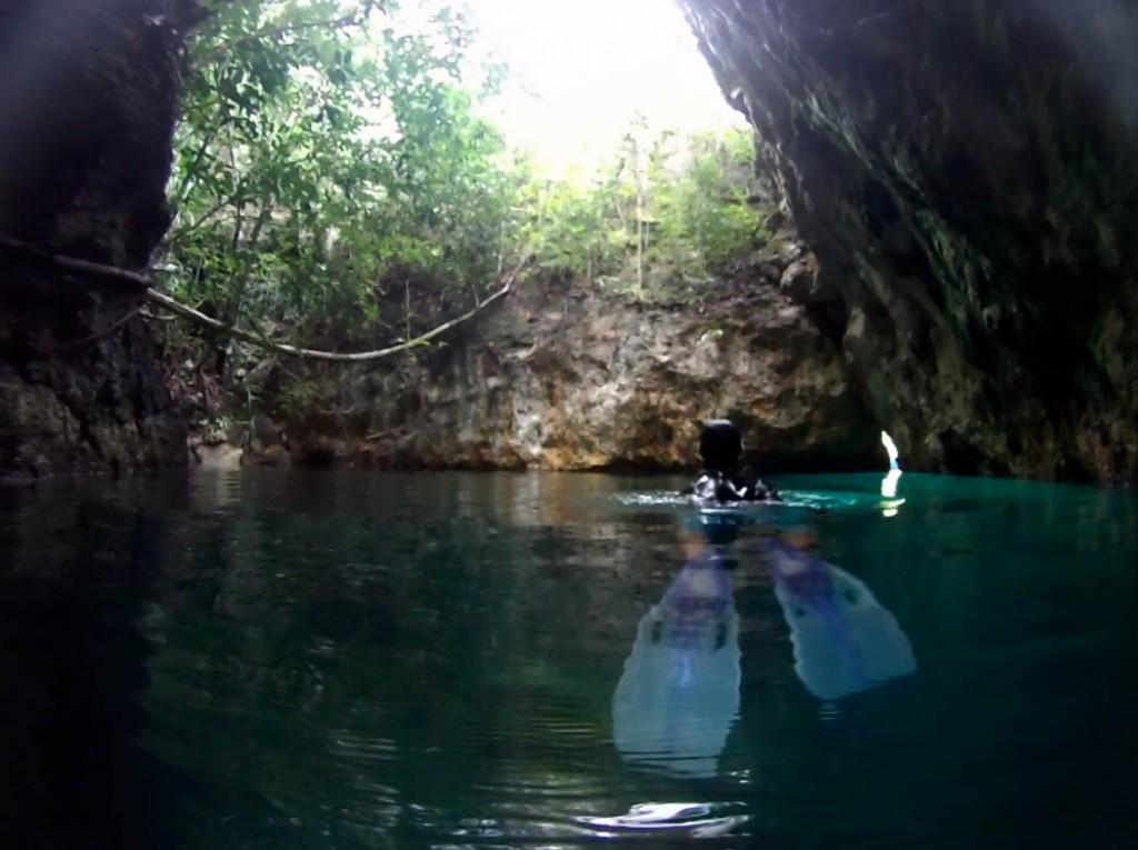 Deni cave snorkeling